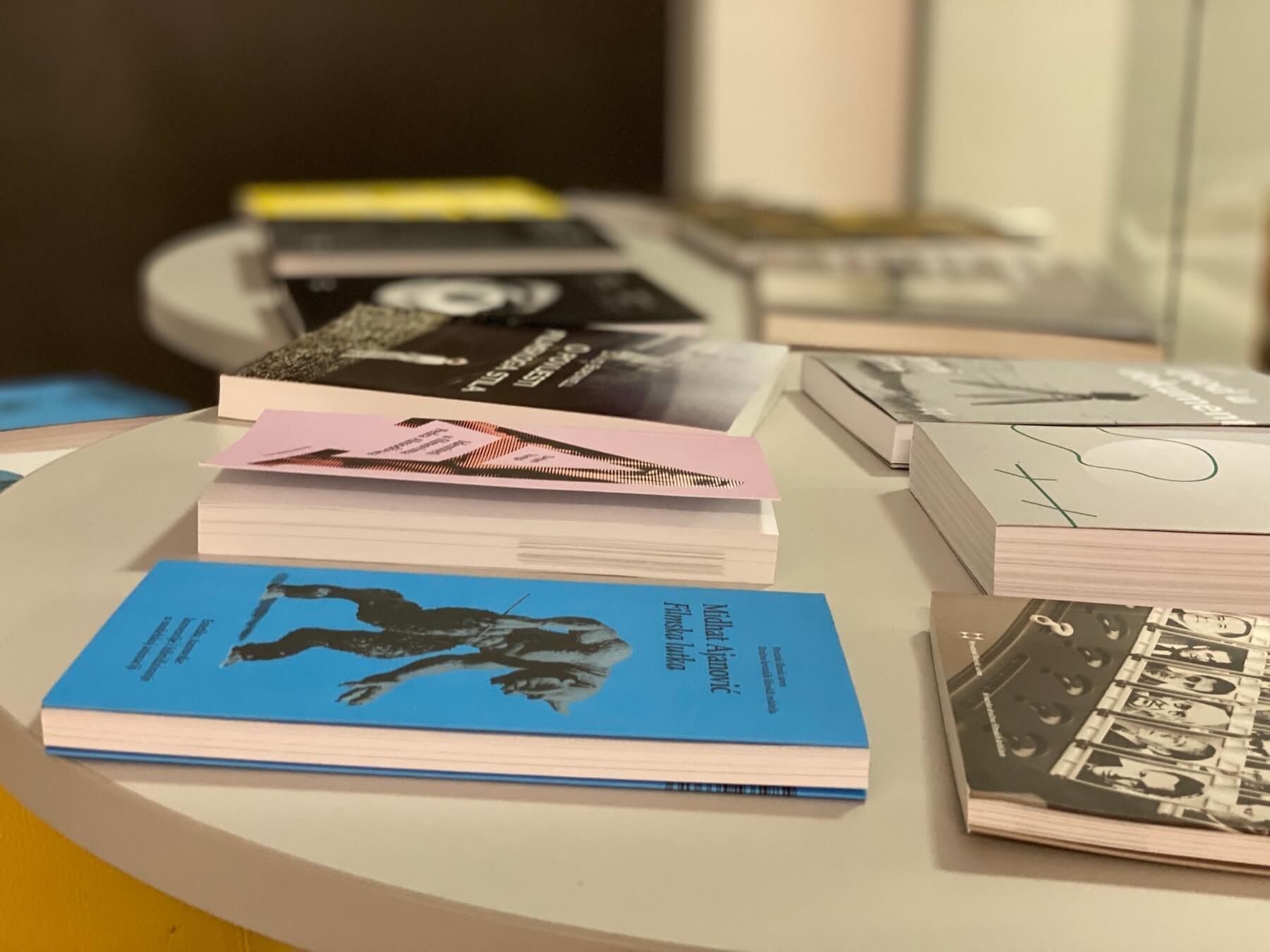 Knjige u izdanju HFS-a samo za polaznike Škole po promotivnim cijenama
